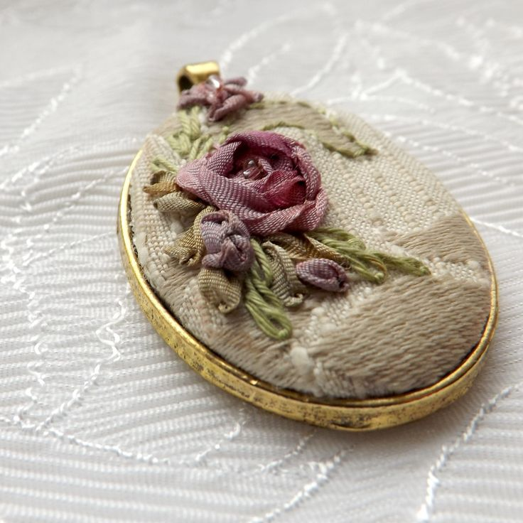 Pendant with silk ribbon embroidery