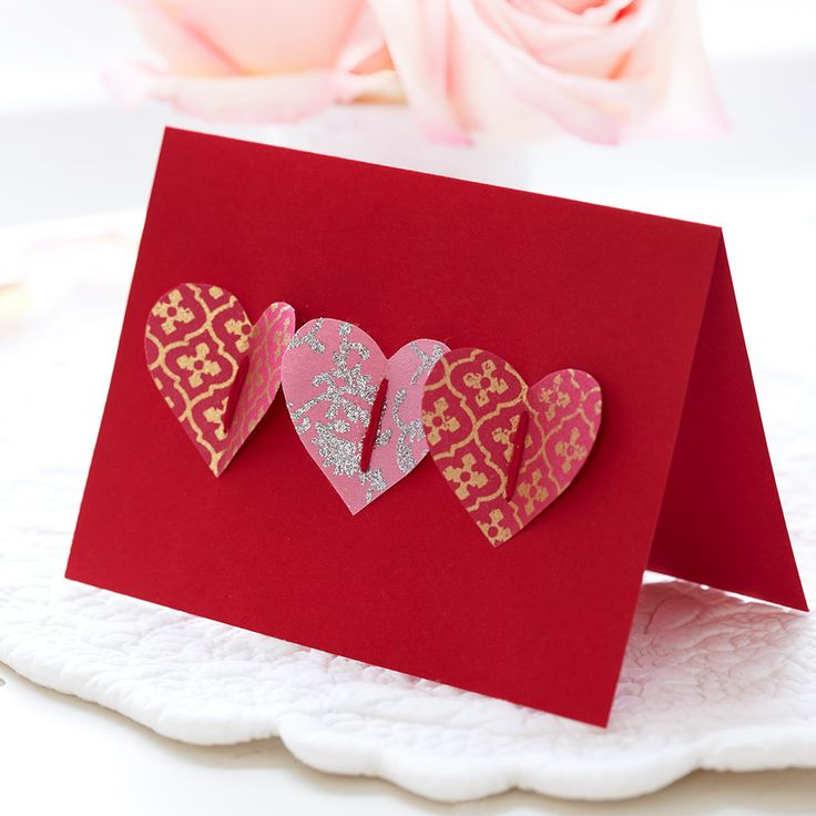 LOVE HEARTS HANDMADE CARD Share the love for Valentine's with this simple handmade hearts card. Find more easy craft ideas over on prima.co.uk