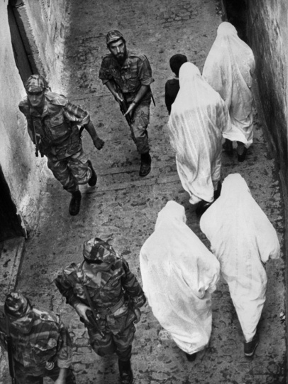 La bataille d' Alger, Gillo Pontecorvo.