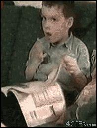 Curiosa manera de pasar las paginas