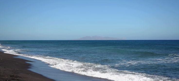 Perivolos Beach - Santorini