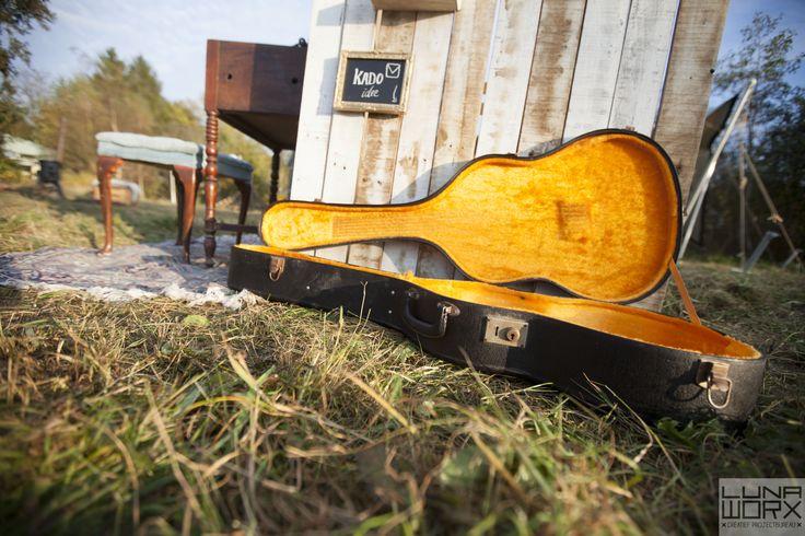 Enveloppen gitaarkoffer bruiloft