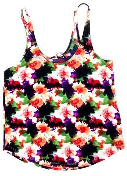 Top de tirantes finos, de tejido elástico y suave estampado con colores simulando flores brochazos.