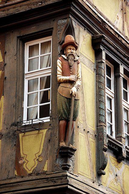 Le Barbu de la Maison Zum Kragen - Colmar, Alsace, France (www.tourisme-colmar.com)