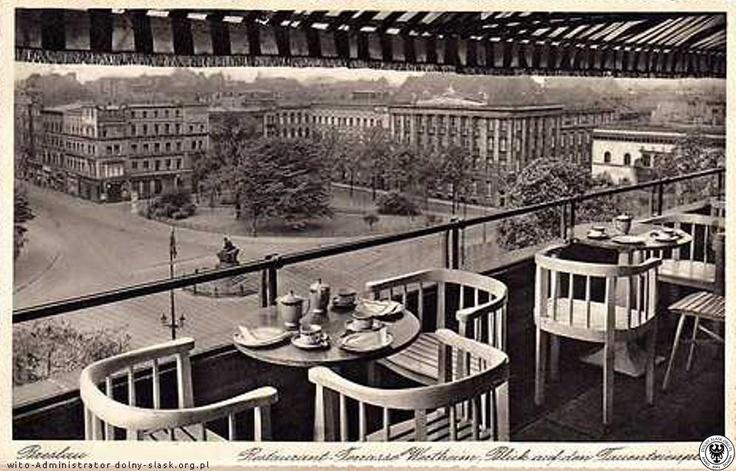 Widok z tarasu restauracji Wertheim w stronę ul. Piłsudskiego.Lata 1930-1935