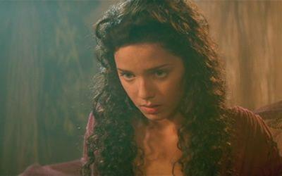 Mili Avital as Sha'uri in Stargate (1994)
