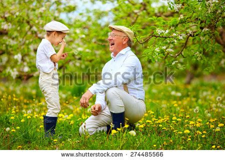 granddad and granddaughter talking - Google zoeken
