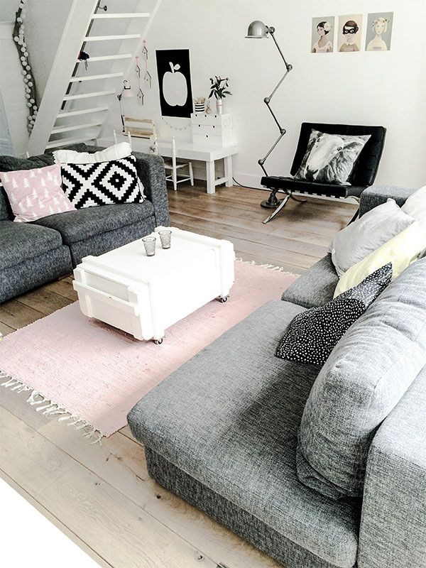 Scandinavian Living Room Design With Pastel Touches