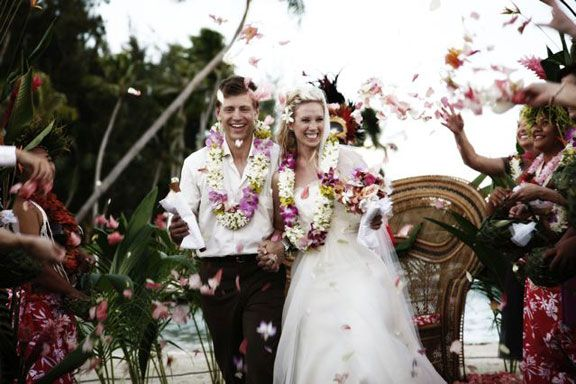 The wedding of your dreams in the middle of the South Pacific, surround yourself and your guests with the beauty of Tahiti.