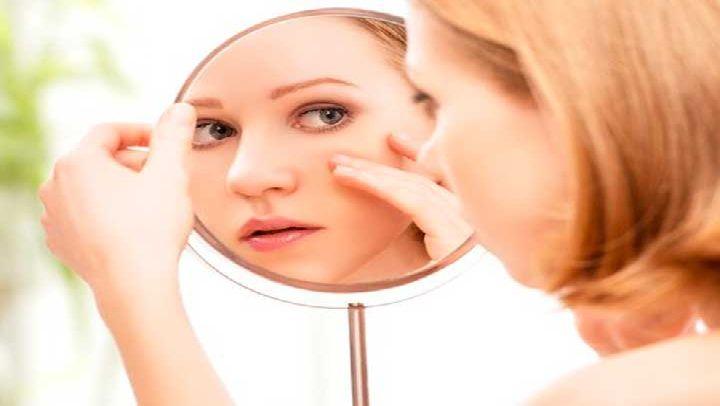 Solo tienes que untar esto en tu rostro y observa como la piel pasa a ser de porcelana, libre de arrugas, pecas y manchas. - Amiga saludable