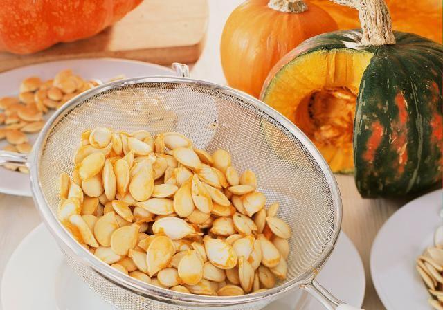 "Pepitas doradas (semillas de calabaza tostadas): Son comestibles las semillas (pepitas) de todas las calabaza llamadas ""calabazas de invierno."""