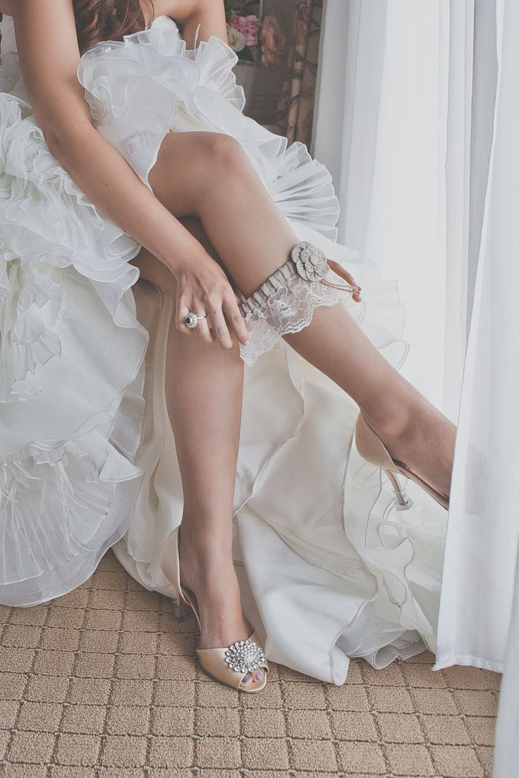 Lace Garter  + Badgley Mischka's | On SMP | Photography: Eyekahfoto  And shoes!