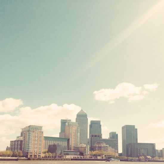 Poster | LONDON SKYLINE von Cassia Beck | more posters at http://moreposter.de