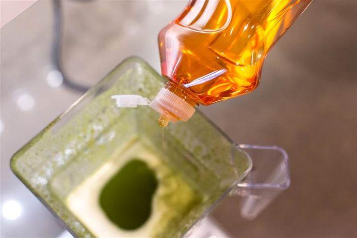 Spring cleaning hacks - make your blender clean itself