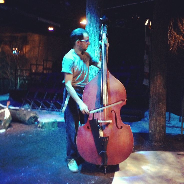Unai playing Bass in Hansel and Gretel