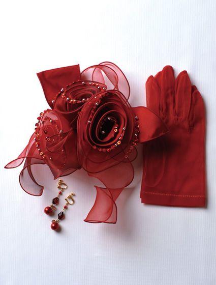 ウエディングドレス、高品質な結婚式ドレスならW by Watabe Wedding / レッド・タフタ・オーガン・フリル・プリンセスライン・カラードレス