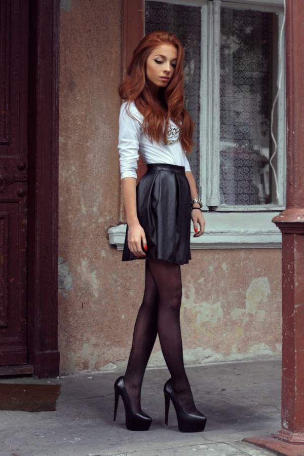Redhead in a leather skirt (x/post r/TightsAndLooseClothes)