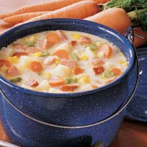 Sausage Potato Soup :::: made this tonight and its delicious! I added about twice the broth the recipe calls for and it was perfect.