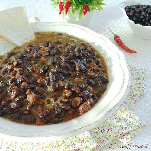 Fagioli neri alla messicana http://www.ilcuoreinpentola.it/ricette/fagioli-neri-alla-messicana/