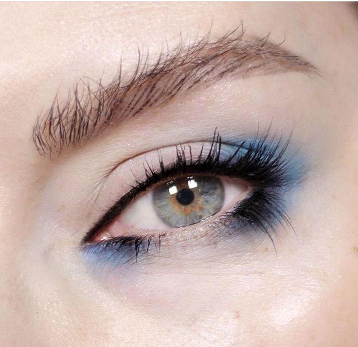 Eye makeup, blue eyeshadow, smoky eye, beautiful eye makeup, beauty, close up shot