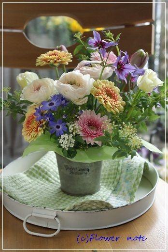【今日の贈花】わんちゃん用のお悔み花|Flower note の 花日記 (横浜・上大岡 アレンジメント教室)