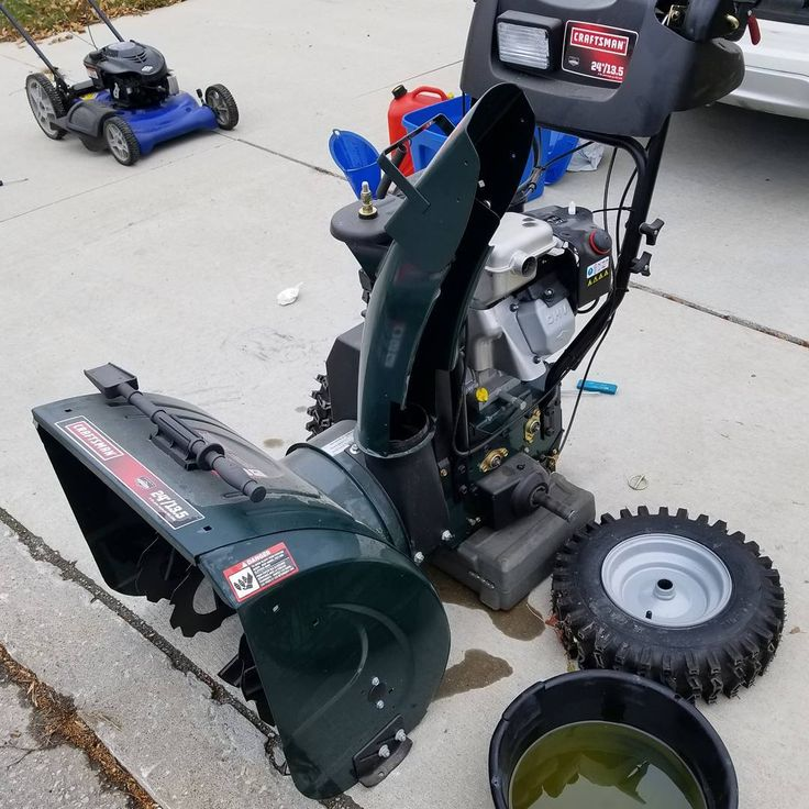 Blower sitting for 4 years never run. Carb was in rough shape. . . . . . . . . #etobicoke #mississauga #portcredit #mimico #oakville #lakeshore #mower #snowblower #smallengine #honda #toro #snowblower #repairs #mechanic #mobileservice #snowblowertip #oilchange #mowfix