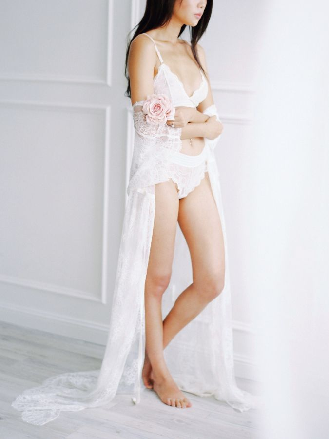 Romantic boudoir shoot: http://www.stylemepretty.com/australia-weddings/new-south-wales-au/2017/03/22/romantic-boudoir-shoot/ Photography: Amelia Soegijono - https://www.ameliasoegijono.com/