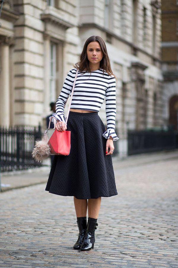 ネイビースカートにボーダーを合わせれば程よいカジュアル感☆フェミカジ系タイプのコーデ♡参考にしたいスタイル・ファッション