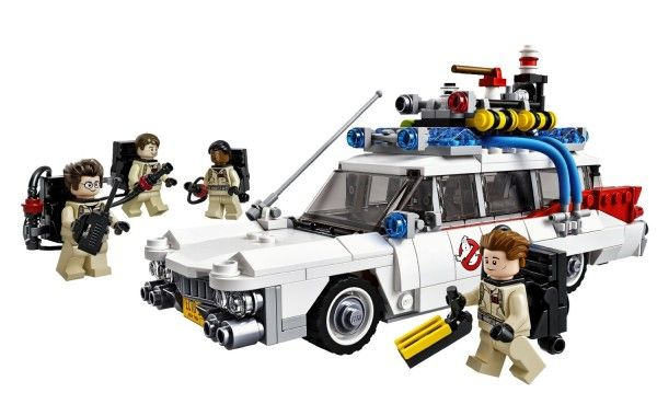 LEGO-Ghostbusters-Ecto-1 (1)