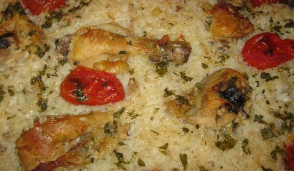 Пилешки бутчета с ориз и цели домати - Рецепта. Как да приготвим Пилешки бутчета с ориз и цели домати. Кликни тук, за да видиш пълната рецепта.
