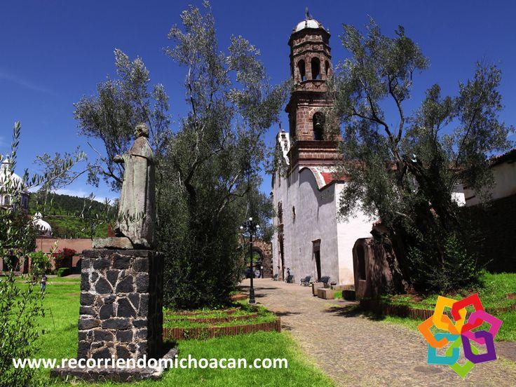 RECORRIENDO MICHOACÁN. Si visita Tzintzuntzan, no se olvide de conocer el antiguo convento Franciscano, un recinto que data del siglo XVI y que tiene dos capillas, una junto a la portería y la otra en el presbiterio, una galería transversal y un claustro decorado con murales de los siglos XVII y XVIII. No deje de sorprenderse con este maravilloso lugar durante su próximo viaje al hermoso estado de Michoacán. HOTEL FLORENCIA REGENCY http://www.florenciaregency.mx/