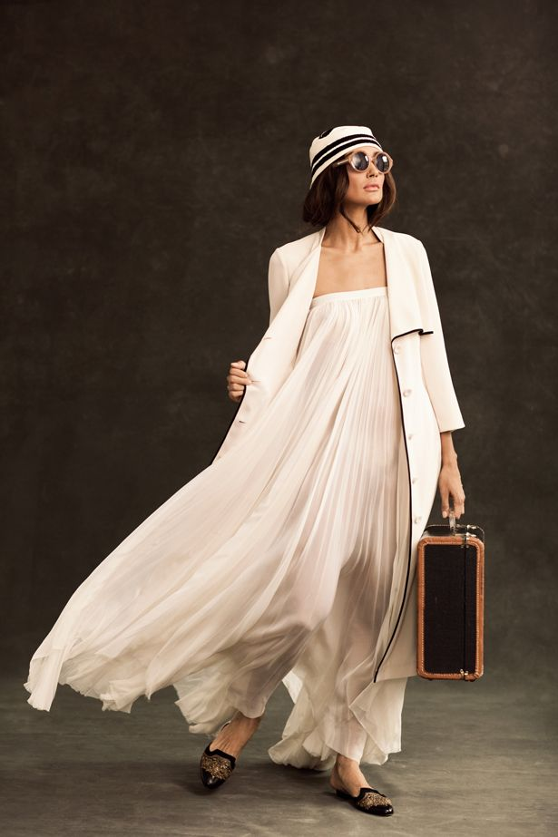 //: Long Dresses, Vintage Oscars, Maxi Dresses, Travel Chic, Flowy Dresses, The Dresses, Travel Outfits, Trench Dresses, Vintage Style