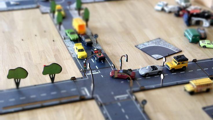 Spielzeug Auto Bahn