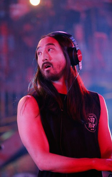 "Steve Aoki Photos Photos - Musician Steve Aoki performs onstage during MTV's ""Wonderland"" LIVE Show on October 13, 2016 in Los Angeles, California. - MTV's 'Wonderland' LIVE Show - Thursday, October 13, 2016"