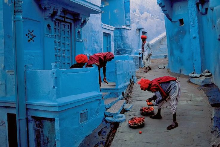 Why the population of the fortress city – the Blue City as it is universally known – took to painting their houses in various shades of blue is not completely certain. Yet most believe it is to do with the prevailing caste system in India.