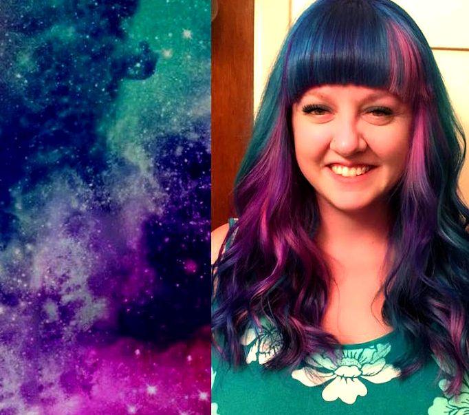 Space Hair http://makemebetter.com.br/tendencia-space-hair-o-cabelo-que-te-leva-para-o-espaco/