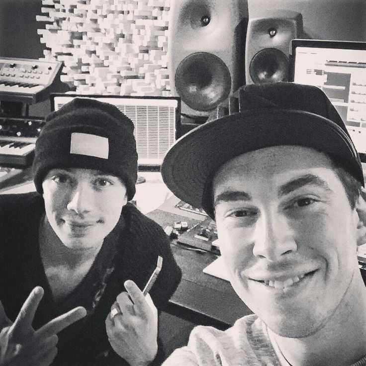 Dj headhunterz and Hardwell