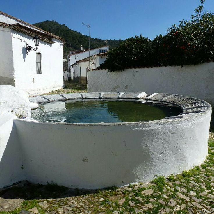 Lavadero. Linares de la Sierra - Huelva - España.   Lavadero Público está…