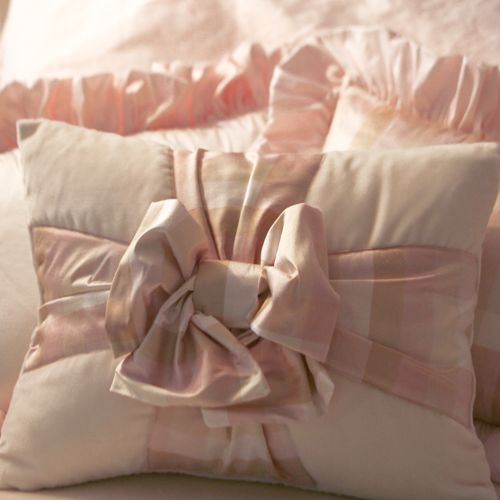 161 best images about Huggy Pillows on Pinterest Linen pillows, Cushion covers and Pillows on bed