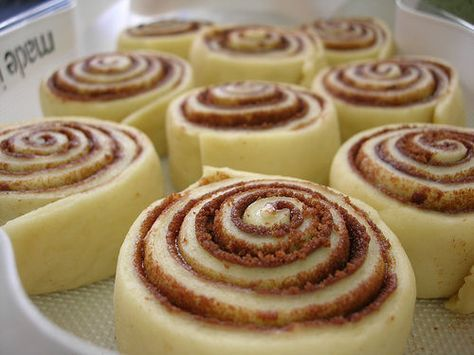 Les cinnamon rolls prêts à cuire
