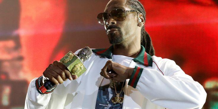 Life Is Good When Snoop Dogg Is Your Reddit Secret Santa