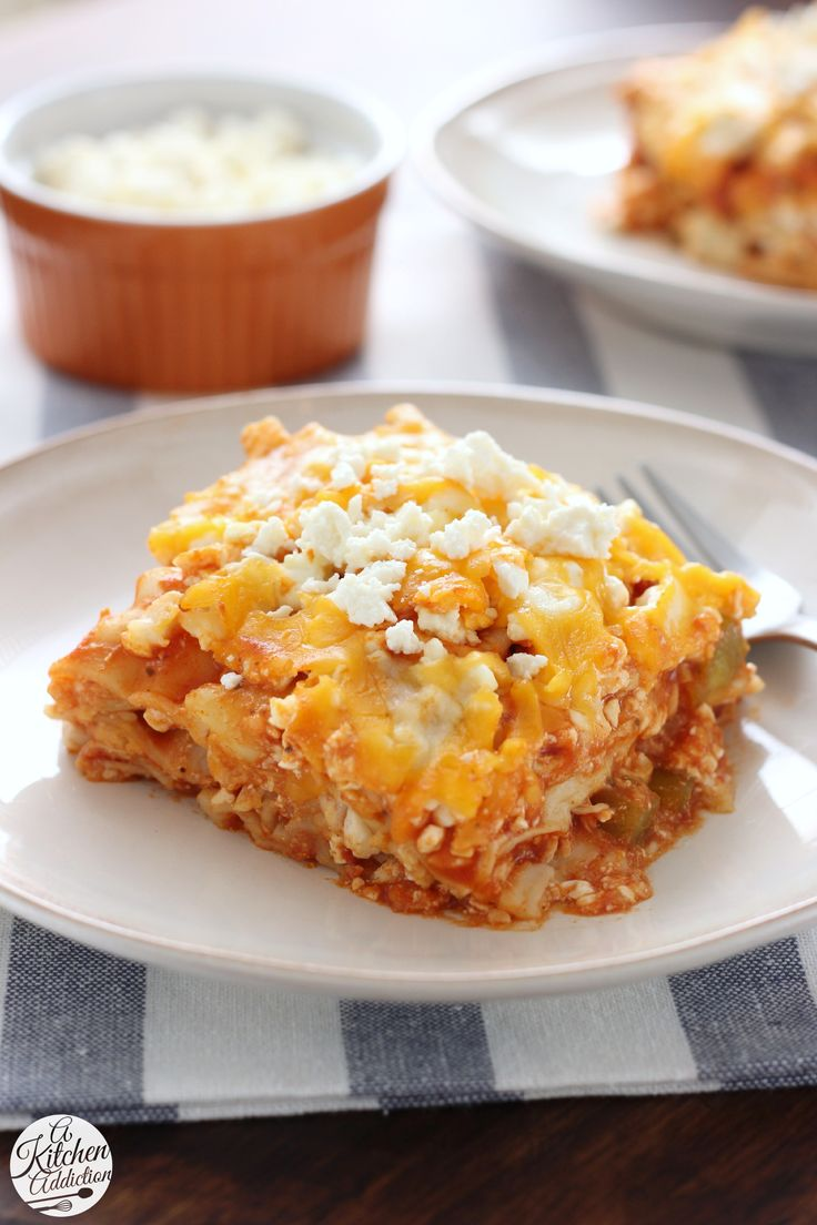 Slow Cooker Buffalo Chicken Lasagna -- A quick and easy crock pot recipe from @akitchenaddict