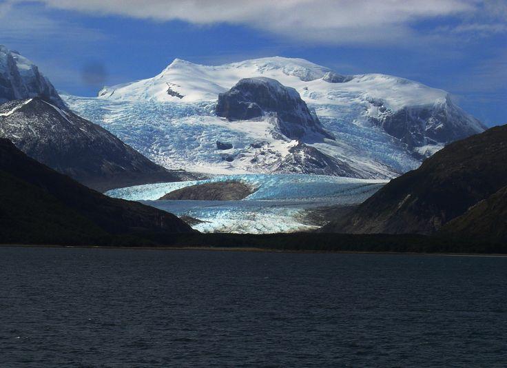 Glaciares chilenos en Canal Beegle.