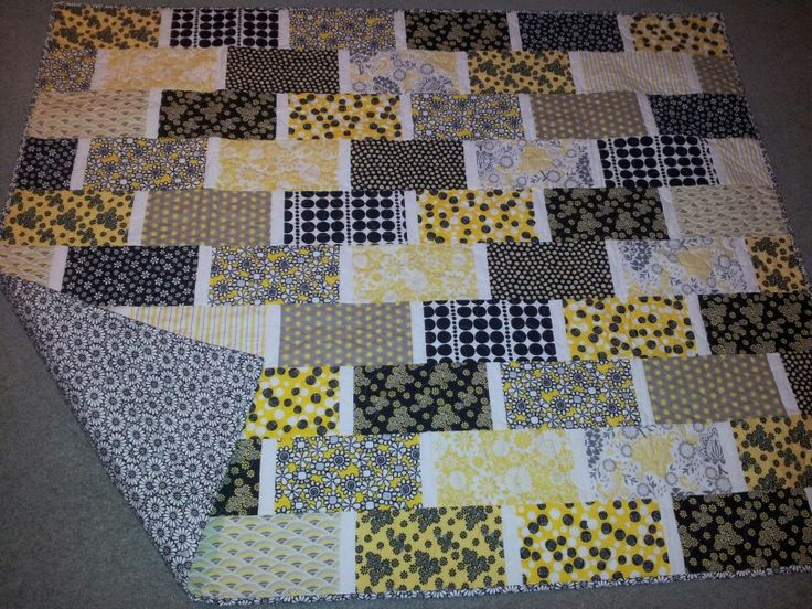 Black yellow and white .. Great colour combination.