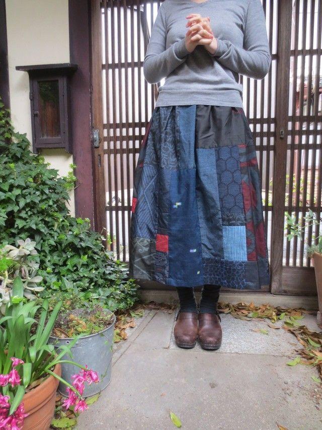 着物リメイク☆藍大島いっぱいパッチ爽やかスカート79㎝丈 | iichi(いいち)| ハンドメイド・クラフト・手仕事品の販売・購入