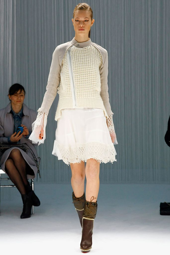 I love the neutral colors creme white and light tan.#PFW#F/W2011#RTW