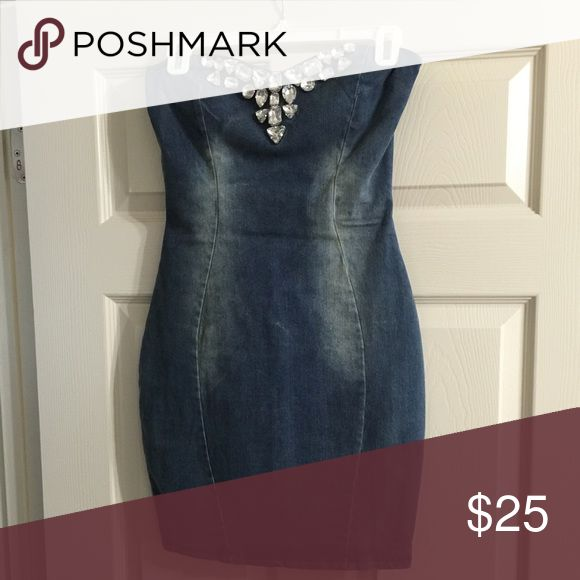 Denim bodycon dress Stretchy material looks great on!!! Dresses