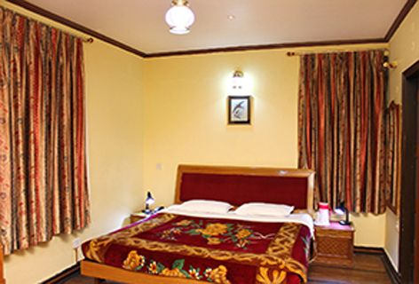 Located close to the Great Himalayan Nature Park and #offers facilities like #internet, #conference hall, multi-cuisine #restaurant , spacious #convention hall with attractive rates and #discounts. #resorts #hotel #shimla #kufri #snow #king