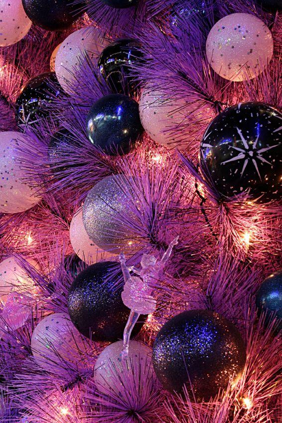 ooooh...Glitter Ornaments, Xmas Trees, Christmas Time, Decor Christmas Trees, Shades Of Purple, Decorated Christmas Trees, Christmas Decorations, Colors Mixed, Purple Christmas Tree