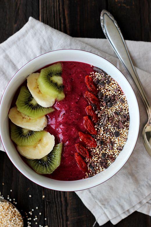 Gesundes Frühstück: Smoothie Bowl, Obst, Superfood, Holunderweg18